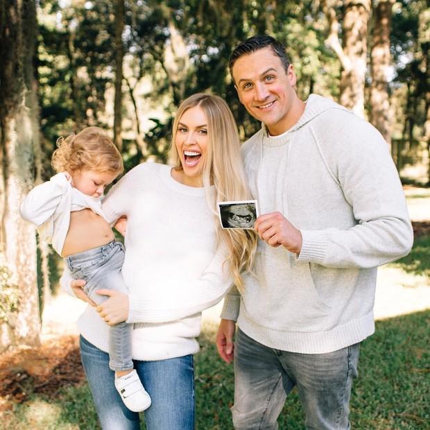 Ryan Lochte com a mulher, Kayla Rae Reid, e o filho, Caiden (Foto: Reprodução/Instagram)