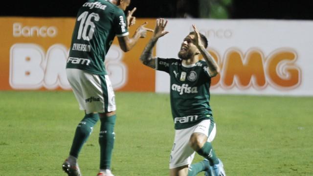 Lucas Lima fez o primeiro do Palmeiras em São Januário
