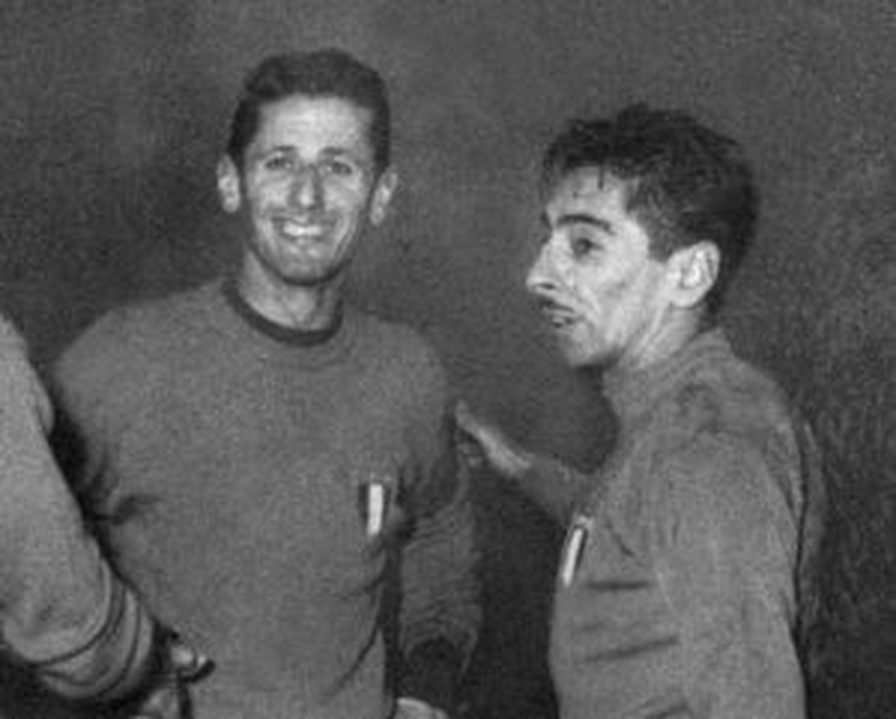 Schiaffino e Ghiggia, carrascos do Brasil em 1950, brilharam juntos na Itália — Foto: Calciopedia