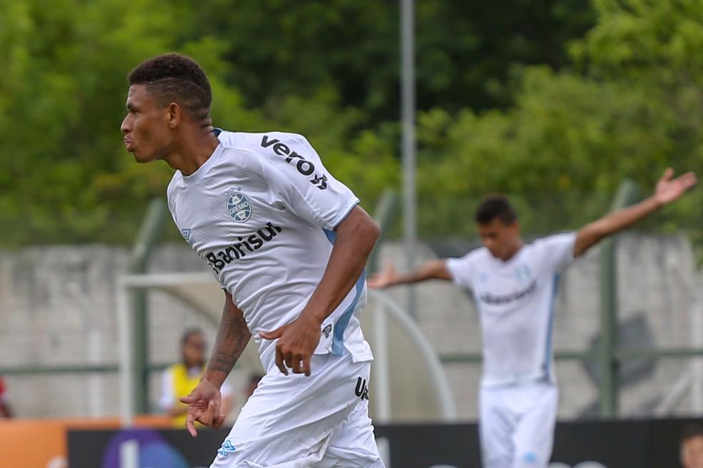 Diego Rosa em ação na Copa São Paulo deste ano — Foto: Guilherme Rodrigues/GR Press