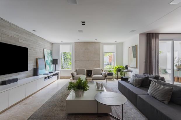 Casa de 500 m² ganha décor jovem e sem excessos após reforma