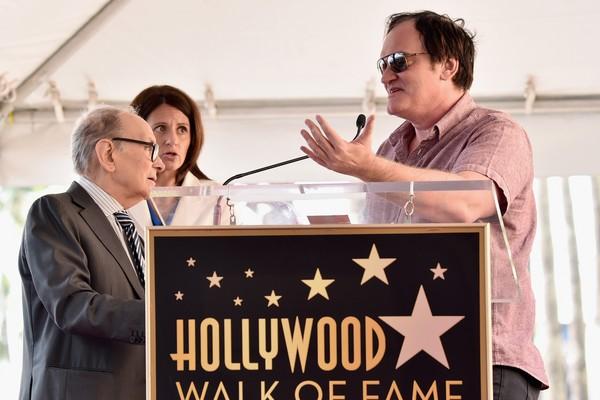 Quentin Tarantino e Ennio Morricone no evento no qual o compositor ganhou uma estrela na Calçada da Fama de Hollywood (Foto: Getty Images)