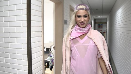 'EMME' entra no universo glamouroso das Drag Queens