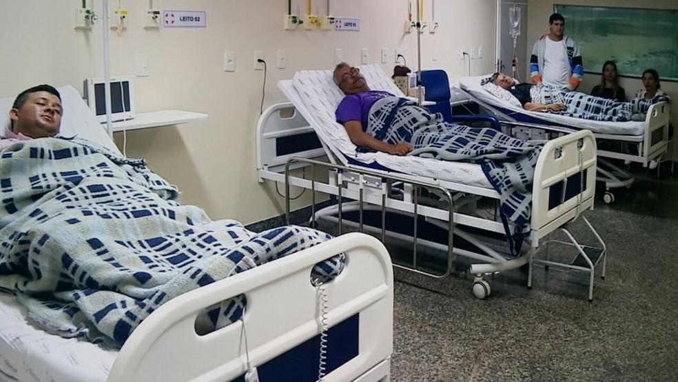 Após passar por exames, pescadores seguem em observação no Hospital Menino Jesus, em Itapemirim (Foto: Reprodução/ TV Gazeta)