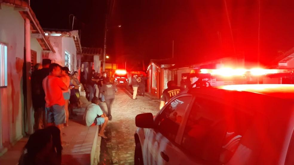 Homem morre e cinco pessoas são baleadas em atentado em Macaíba, na Grande Natal — Foto: Sérgio Henrique Santos/Inter TV Cabugi