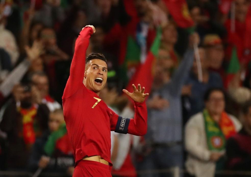 Cristiano Ronaldo em ação pela seleção de Portugal — Foto: Reuters
