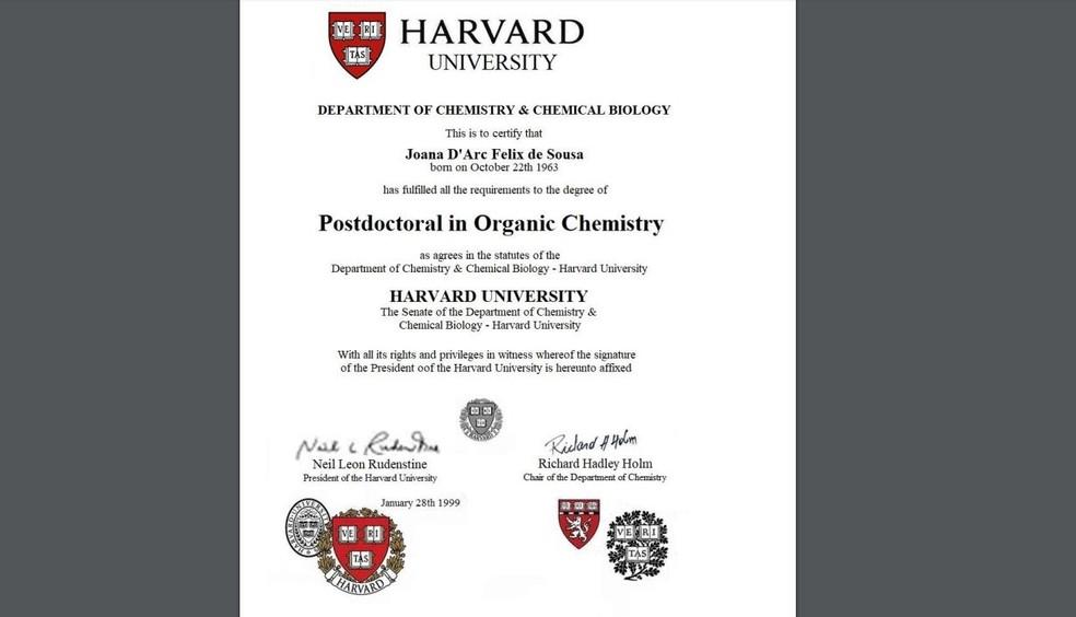 Documento que cita conclusão de pós-doutorado de Joana D'arc em Harvard não tem validade, diz professora — Foto: Reprodução