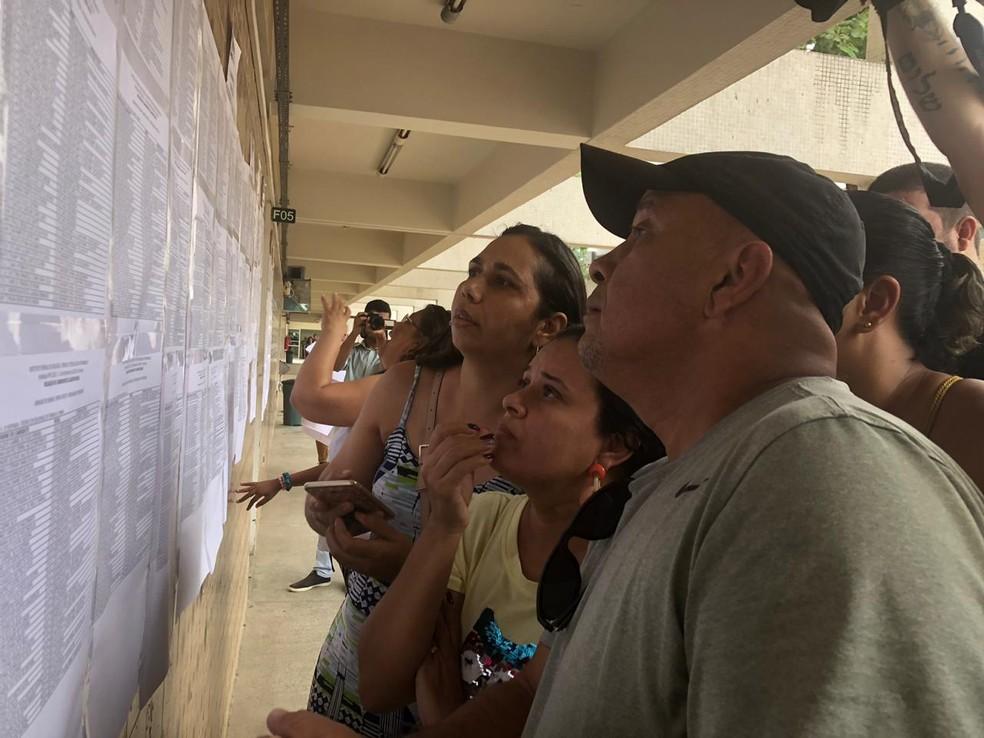 Listão do IFPE foi divulgado na sede da instituição, na Zona Oeste do Recife, nesta quinta-feira (9) — Foto: Isabela Veríssimo/G1