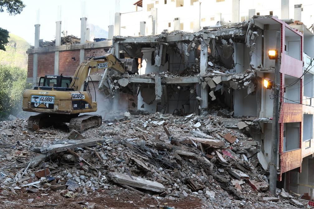 Imóvel demolido nesta segunda tinha 8 andares — Foto: Hudson Pontes/Prefeitura do Rio/Divulgação