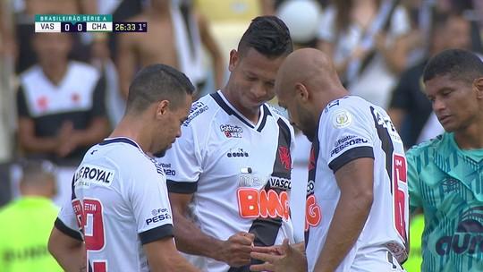 Pikachu, Guarín e Fellipe Bastos disputam cobrança pelo Vasco de maneira inusitada; veja o vídeo
