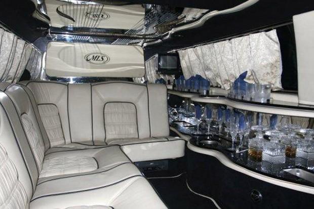 O interior do Rolls-Royce Silver Spur II 1990 (Foto: Reprodução)