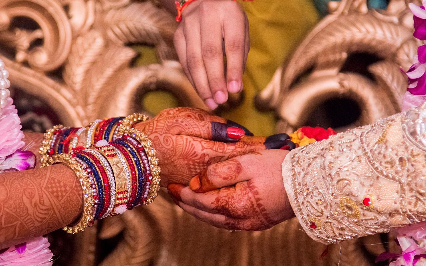 Por que alguns casos de sexo consentido entre adultos estão sendo considerados estupro na Índia