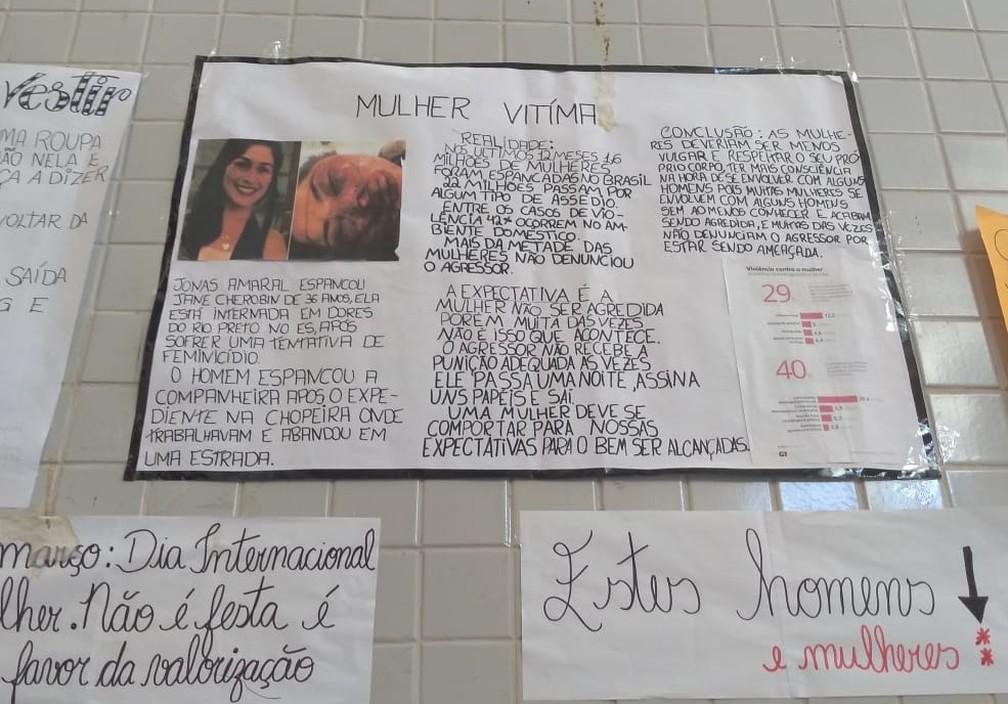 Cartaz diz que mulheres devem ser menos 'vulgar' — Foto: Divulgação/Twitter