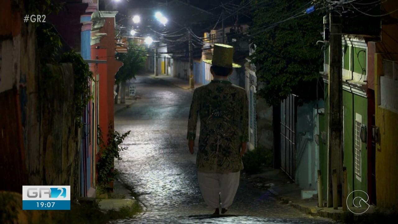 Foliões lamentam o ano sem carnaval em Pernambuco
