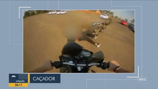 Câmera flagra acidente que matou motociclista em Caçador