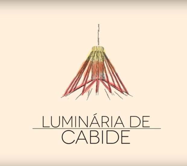 DIY: Aprenda a fazer uma luminária de cabide pela designer de interiores Erika Karpuk (Foto: Casa e Jardim)