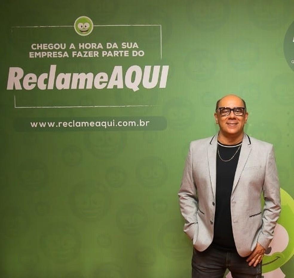 Nascido em Campo Grande, o empresário Sul-Mato-Grossense é o fundador do site Reclame Aqui — Foto: Redes sociais/Reprodução