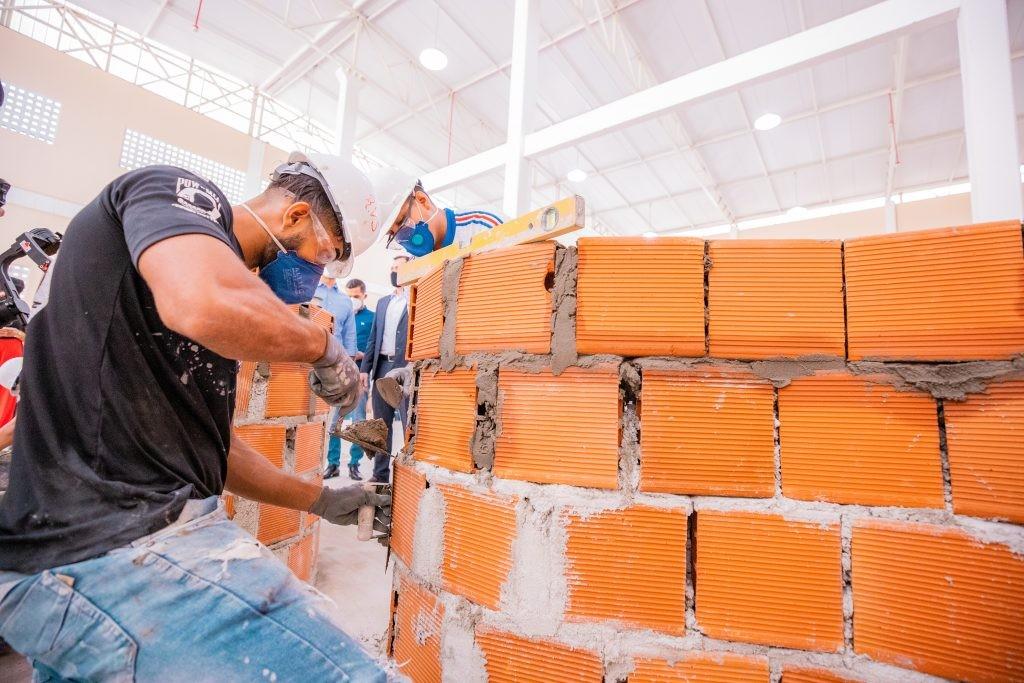 Coelba abre inscrições para curso online e gratuito para profissionais autônomos da construção civil; veja detalhes