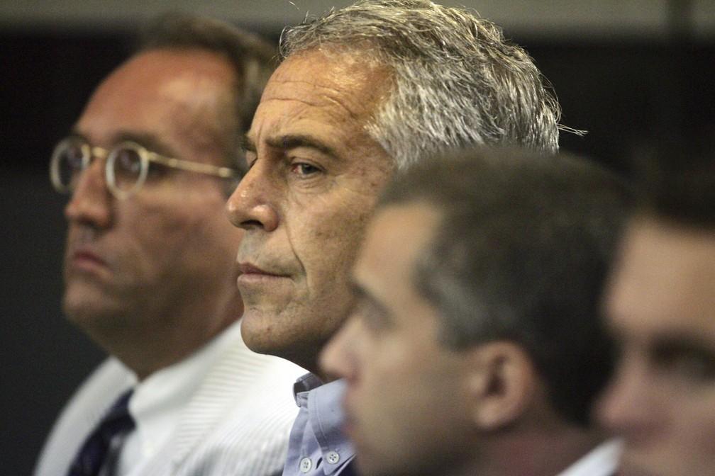 A foto, de julho de 2008, mostra Epstein sob custódia em West Palm Beach, na Flórida. — Foto: Uma Sanghvi/Palm Beach Post via AP