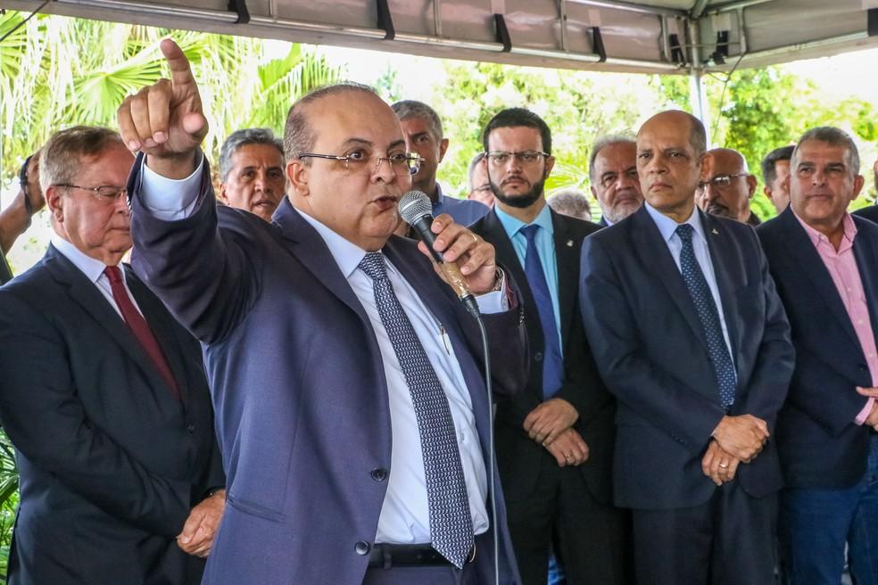 Governador do Distrito Federal Ibaneis Rocha em pronunciamento na Novacap — Foto: Renato Alves/Agência Brasília