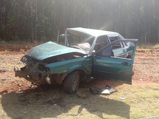 Motorista tentou ultrapassagem proibida e morreu, diz polícia (Foto: Victor Gomes/ TV TEM)