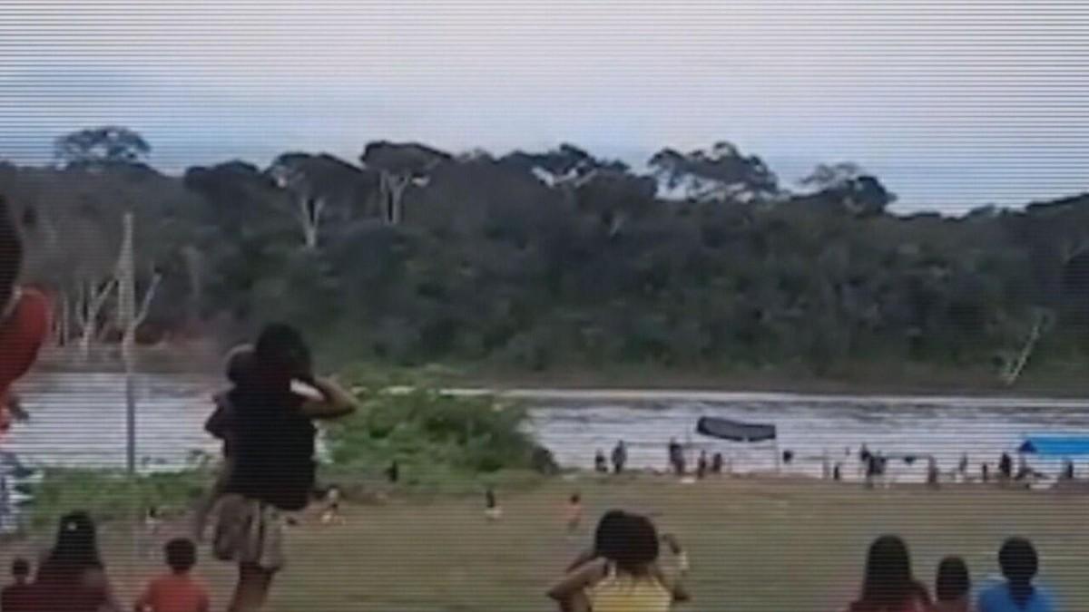 Fantástico visita Terra Yanomami onde garimpeiros entraram em confronto com indígenas