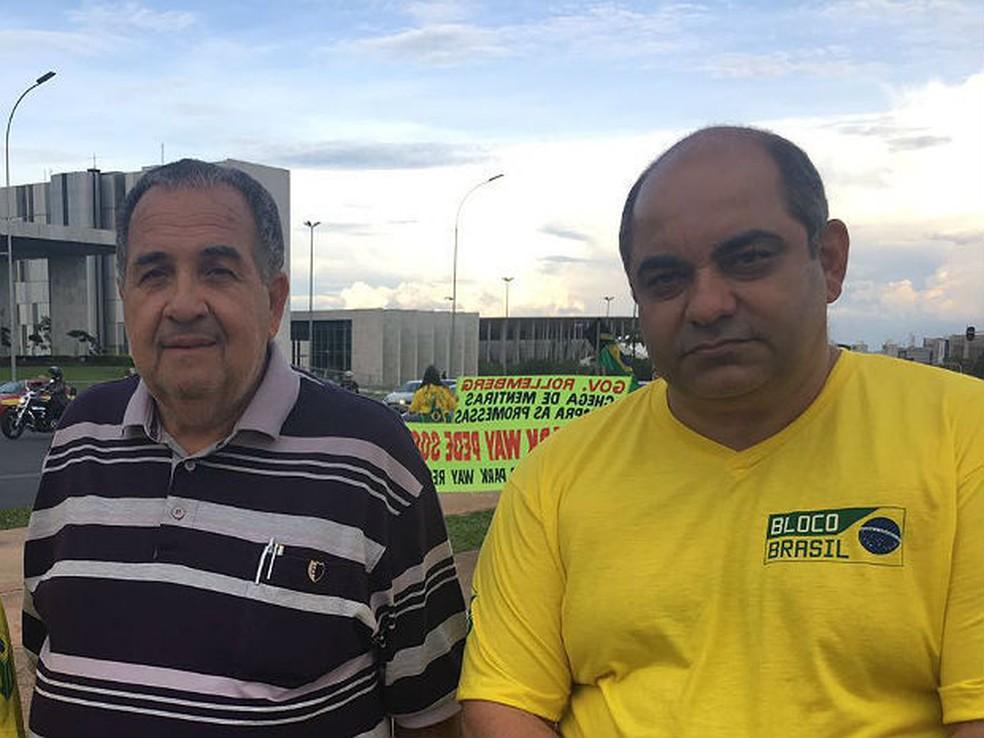 Winston Lima (de amarelo) durante manifestação na Esplanada dos Ministérios, em 2016 — Foto: Luiza Garonce/G1
