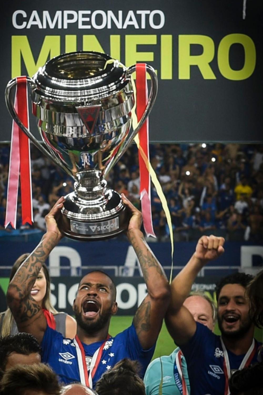 Cinco anos de Cruzeiro: Dedé completa marca no clube e sonha com Seleção