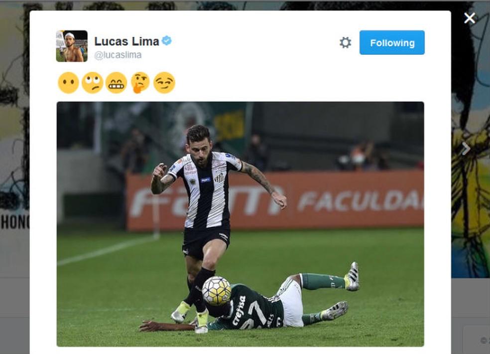 Em 2016, Lucas Lima postou foto de lance em que deixou Matheus Sales no chão — Foto: Reprodução/Twitter