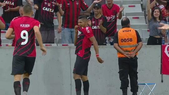 Athletico 1x0 CSA: veja os gols anulados pelo VAR e os melhores momentos do jogo da 30ª rodada