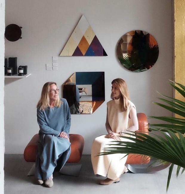 Etel e Lissa Carmona contaram a história dos grandes designers brasileiros que, agora, têm suas peças comercializadas na Coreia do Sul (Foto: Divulgação)