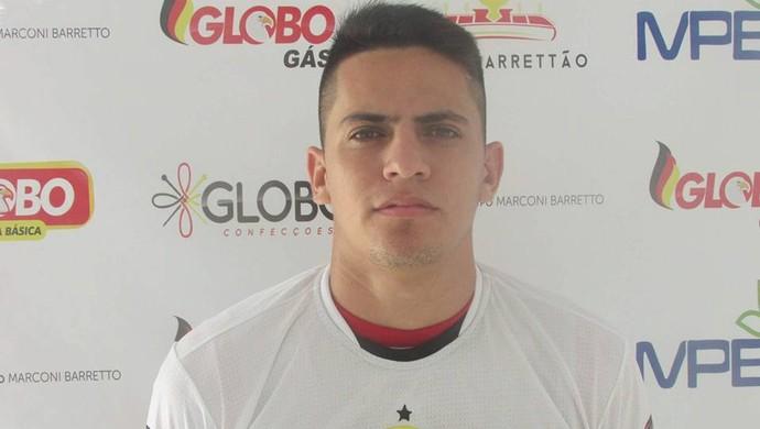 Alexsandro lateral-direito Globo FC (Foto: Rhuan Carlos/Divulgação)