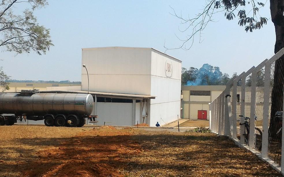 JBS abre mais de 270 vagas de emprego em Goiás