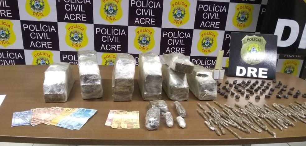 Polícia apreende mais de 17 quilos de maconha — Foto: Alcinete Gadelha