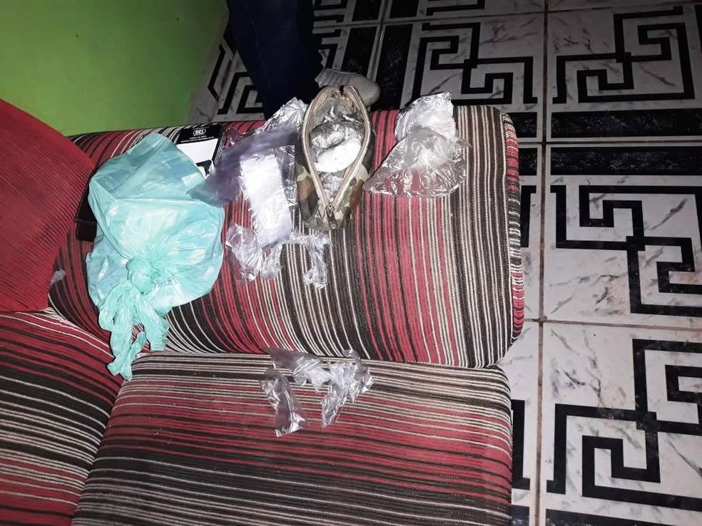 Droga estava na posse de dois que estavam na companhia de uma adolescente (Foto: Divulgação/TJap)