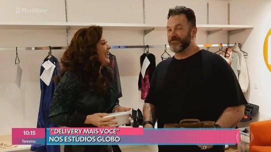 Claudia Raia recebe delivery de Ana Maria Braga