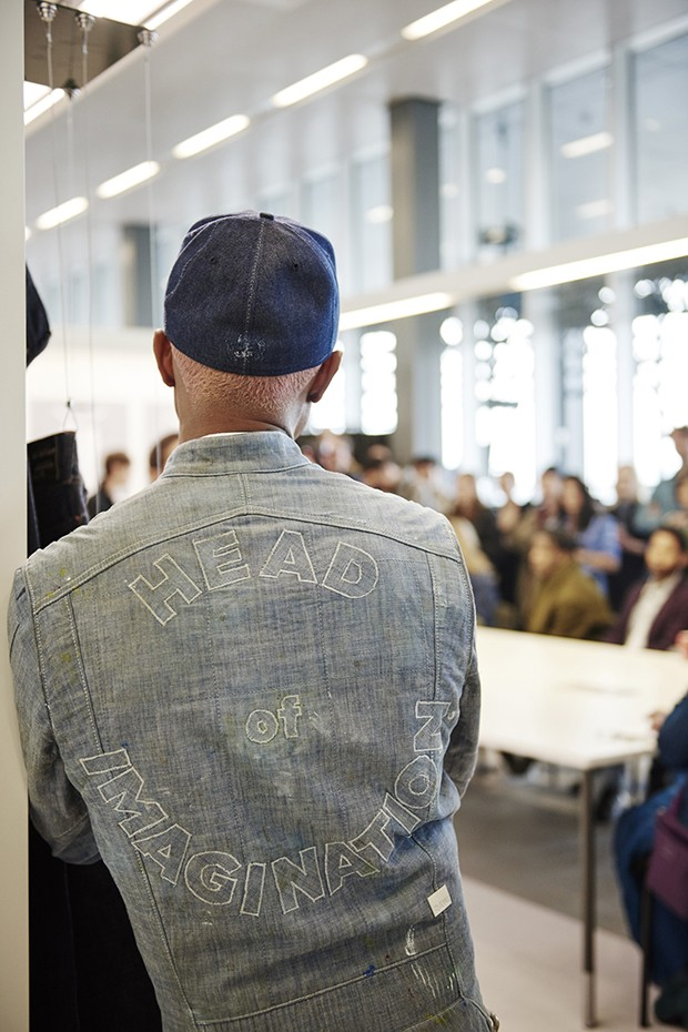 Pharrell Williams, enjoying his new role at G-Star RAW (Foto: Divulgação)