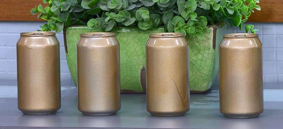 Se você tomar quatro latinhas de cerveja, é como se estivesse comendo a mesma quantidade de pães. — Foto: Reprodução/TV Globo