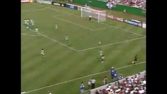 Nenê marcou gol no primeiro confronto entre Brasil e México