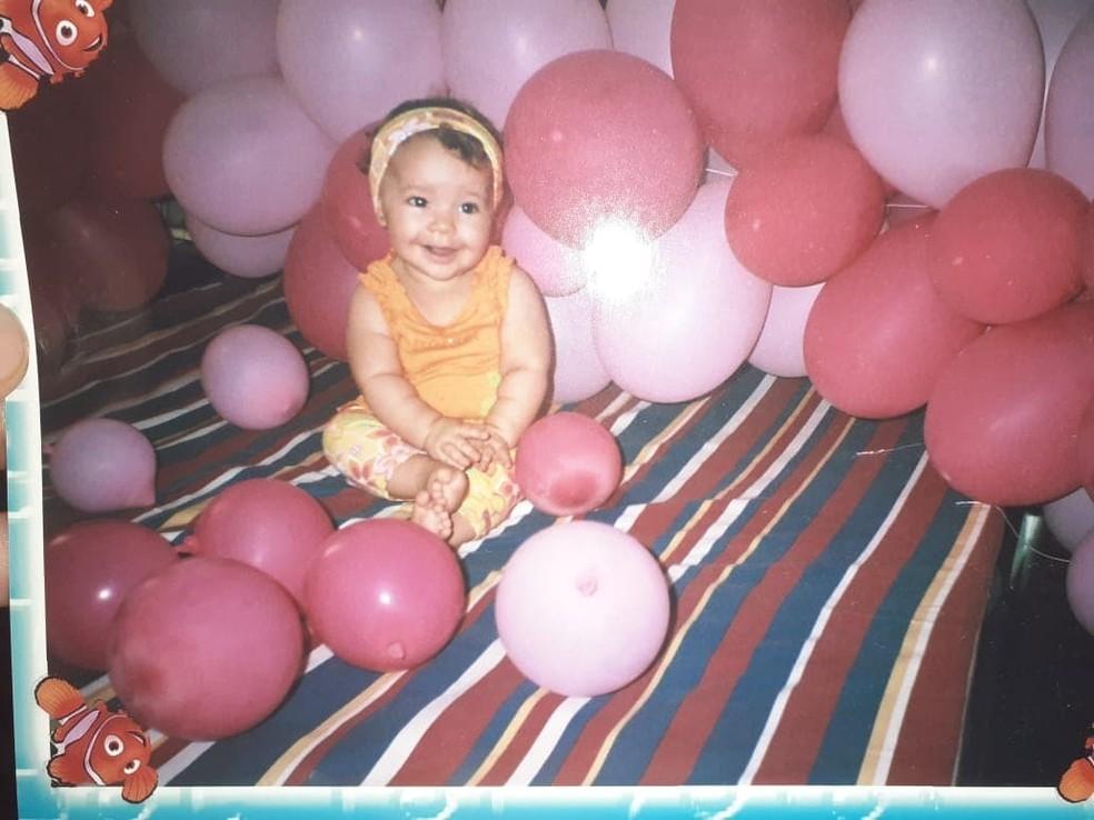 Allicia foi diagnosticada ainda na infância — Foto: Arquivo Pessoal