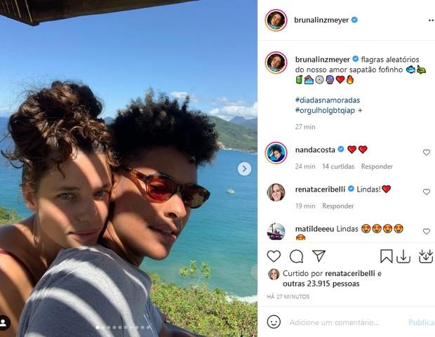 Bruna Linzmeyer e a namorada,  Marta Supernova (Foto: Reprodução/Instagram)