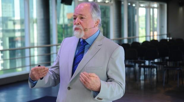 JAQUES MARCOVITCH, PROFESSOR EMÉRITO DA FEA DA UNIVERSIDADE DE SÃO PAULO (Foto: Divulgação)