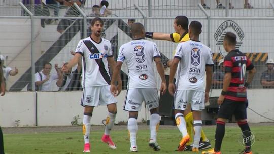 """Súmula: árbitro expulsou Rodrigo por """"introduzir dedo"""" nas nádegas de Tréllez"""