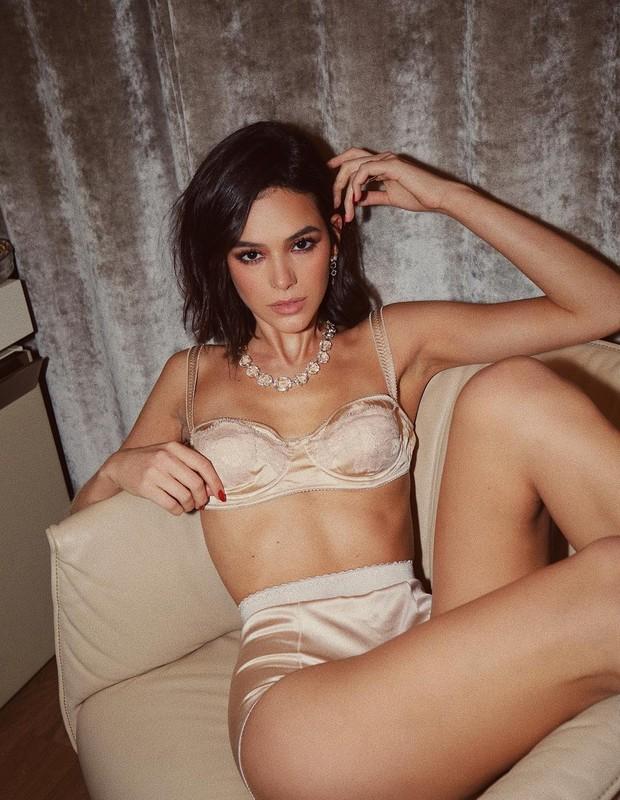 Bruna Marquezine posa sensual de lingerie (Foto: Reprodução/Instagram)