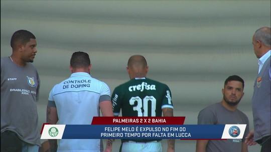 Comentaristas discutem expulsão de Felipe Melo no primeiro tempo de Palmeiras e Bahia