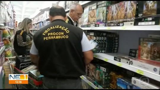 Procon recolhe brinquedos irregulares no Recife