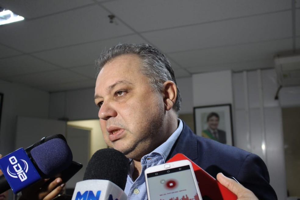 Secretário de Saúde do Piauí, Florentino Neto. — Foto: Laura Moura/G1