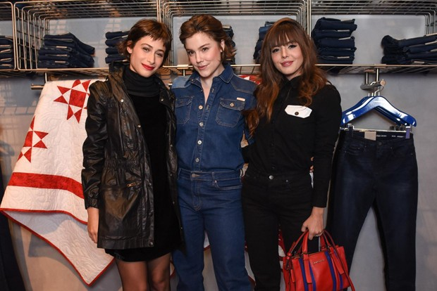 Luisa Arraes, Alice Wegmann e Giovanna Lancelotti na inauguração da flagship da Calvin Klein em São Paulo (Foto: Divulgação)