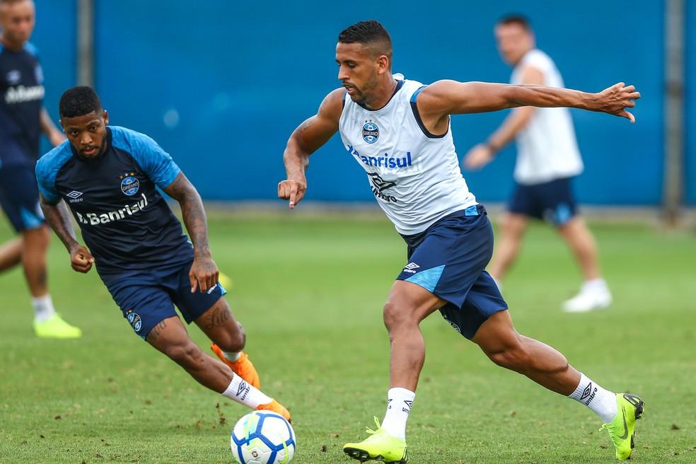 Michel começou a recuperar o futebol de 2017 — Foto: Lucas Uebel / Grêmio F.B.P.A.