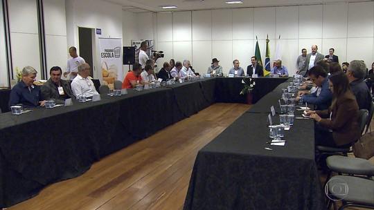 Prefeitos de cidades atingidas por lama da Samarco discutem saídas para crise